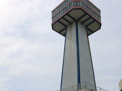 東尋坊タワーへ上る