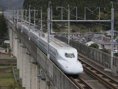 九州新幹線さくらが通過
