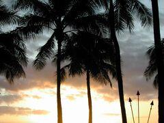 【2005年】ワイキキビーチ  ワイキキビーチの美しい夕日。