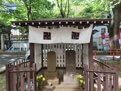 馬場大門ケヤキ並木、石碑・石仏