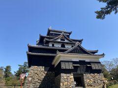 さて、最終日は松江城からスタートです。