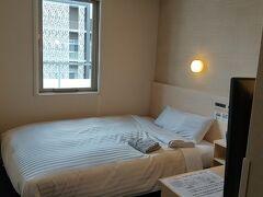 宮崎の2泊はスーパーホテル宮崎天然温泉。 ってことでお部屋ちぇーーーーーっく!