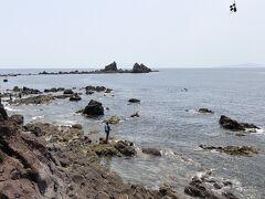 潮騒遊歩道を歩いて、海岸を散歩です。