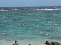 ところ変わって こちらは きょら海工房さん前のビーチ ウミガメに出会えてるビーチです