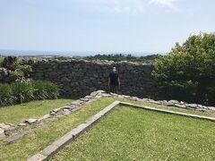 近くの世界遺産 今帰仁城跡に行きました。天気も良く見晴らしも良かったです。