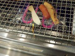 おはようございます 06:30過ぎです ホテルアクティブ!博多にいます ここの朝食は 宿泊料に入っているそうです 自分で 食材を炙る事も出来ます