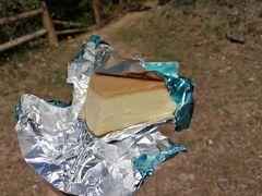 デザートにカラベルのチーズケーキ。ちょっと高かったけど超うまいです。