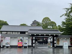 翌日、熊本城を走ります