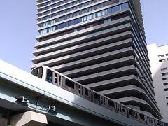 皆さん、こんにちは。 本日は、東京・竹芝駅や浜松町駅からほど近い場所に誕生した複合施設「ウォーターズ竹芝」にやってきました。 ウォーターズ竹芝は、2020年6月にオープンした、劇団四季の劇場や飲食店などが揃うアトレ竹芝からなる複合施設です。