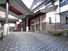 下山後は白布温泉の東屋(ひがしや)へ日帰り入浴.入浴料金は確か500円?