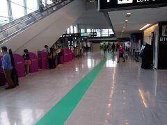 ピーチは第一ターミナル 早々にチェックインし