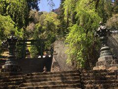 階段を登り