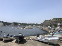 さあ、湾を西へ向かう。湾の名前は江奈湾。