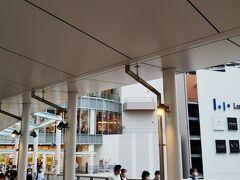 さて、「ロマンスカーミュージアム」を後にして、隣の「ららぽーと海老名」へ☆  駅直結なので、便利です☆