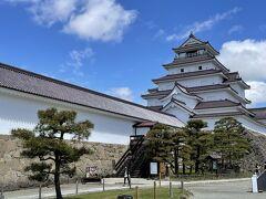 福島・宮城旅行2日目。午前中は会津若松の鶴ヶ城を散策。快晴で気持ちいいです。