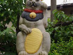 新宿区西落合1丁目に自性院(じしょういん)というお寺が有り、お参りしました。大田道灌公と黒猫の伝承が有るそうで、「猫寺」と呼ばれています。