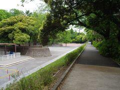国立療養所中野坂上病院跡地が「江古田の森公園」となっており、起伏が有って、植物が豊かでした。