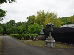 南蔵院へお参りしました。