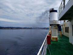 函館港を出港