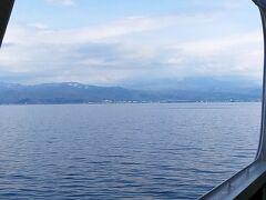 函館を出港して約4時間 青森港が近づいてきた。