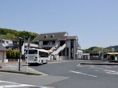 JRの高井田駅までやって来た   ちなみに、ここから法隆寺までは4駅です。