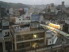 4/29(木) おはようございます♪ 生憎の雨…しかもザーザー降り。