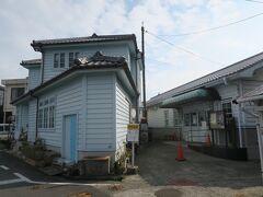 大崎下島の御手洗で下車。 上の地図の「御手洗の町並み」とあるあたりです。