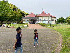 昼過ぎに霞ヶ浦に到着。 まずは水族館に行ってみよー
