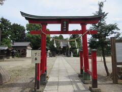 桶川稲荷神社 JR桶川駅東口から12分ほど、中山道と交わる稲荷通りを入った閑静な住宅地に建っています。800年程前に創建され、1693年に桶川宿の鎮守となった神社で、現在は1817年建造の本殿の他、4つの末社が祀られています。