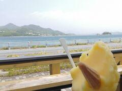 生口島で水分補給をしたいと思います。 ドルチェ瀬戸田本店です。 レモンなどしまなみ感溢れる味が多くありました。