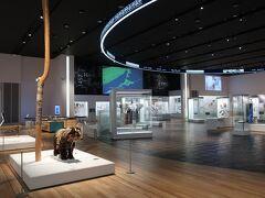 お腹も満たされたのでウポポイへ行きましょう! まずは、予約していた 国立アイヌ民族博物館からスタートです。  でもコロナの影響で音声ガイドも タッチパネルも使えず、説明がほとんどありません。