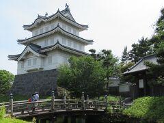 「忍城御三階櫓」 昭和63年、本丸跡に再建されました。 映画「のぼうの城」の舞台ですがそれも見てないんだよね~