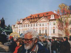 プラハ旧市街広場にあるキンスキー宮殿。  ヴァーツラフ広場から歩いて行きました。