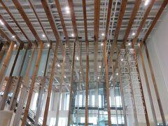 富山市ガラス美術館・・・ガラスの街の魅力感じる図書館&ミュージアム  ガラス芸術が盛んな富山を象徴するスポット  今回常設展のみの鑑賞でしたが、国内外で活躍する富山ゆかりの作家の作品展示しているグラス・アート・パサージュと、現代ガラスアートの巨匠デイル・チフーリ氏による空間芸術作品展示しているグラス・アート・ガーデンが見られました