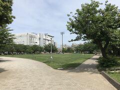 錦糸公園。  駅から近くに広い公園があるの、良い。