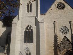 バラ窓の教会。