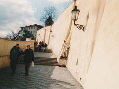 食後はいよいよプラハ城の観光へ。