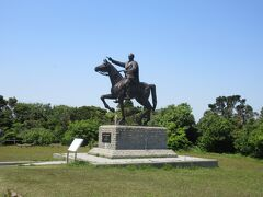ムスタファ・ケマル・アタテュルク大統領の像です。オスマン帝国の将軍で、トルコ共和国初代大統領に就任した、トルコ建国の父と言われています。