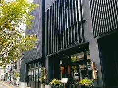 Jose Luis Karuizawa https://twin-line-hotel.com/  スタイリッシュな外観のTWIN LINE HOTELに到着。