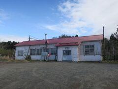 14:45 本日78km(トータル317km)  渡島砂原駅を通過。 旧砂原町の中心駅ですが哀愁漂う駅です。