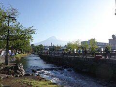 """神田川に来ました。 釣り人が大勢いました。  """"富士山本宮浅間神社"""""""