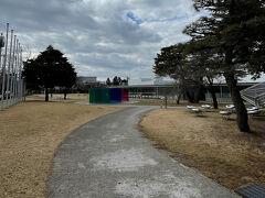 金沢21世紀美術館へ。