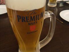 まずは生ビール! 夏の冷えた生ビールは最高!