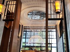 ちょっとげっそりしたので。笑 貿易センタービルから徒歩数十秒のハイアットリージェンシーへ♪ 昨年10月にクラブフロアへ宿泊し、今年2月は2階のレストランでランチブッフェ。 今回は1階の『The Union Bar & Lounge』(ザ・ユニオンバー&ラウンジ)へ♪