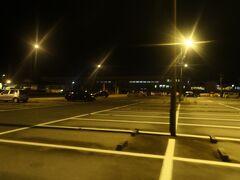 19:20  富山きときと空港に到着。駐車場はがら空きです。