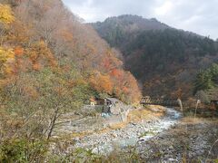 10:50 祖母谷温泉が見えてきました。