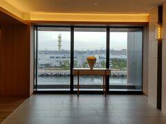 5階エレベーターホール。 今年3月に初めて宿泊して感動し、早々に再訪です。前回の旅行記はこちら。 ↓ [前編]https://4travel.jp/travelogue/11681804 [後編]https://4travel.jp/travelogue/11683035