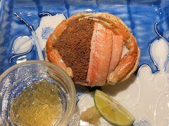 3品目  セコ蟹  見た目以上の量、甲羅にぎっしり詰められていました 3人とも嬉々として食べる食べる(笑) 金沢で食べた温かな方が好みではあるものの セコ蟹をまた食べられて幸せ♪