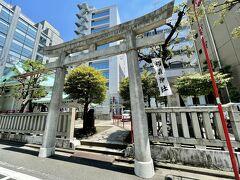 恵比寿神の椙森神社へ到着。 恵比寿神は商売繁盛の神様です。  駐車場もある、少し広めの神社です。