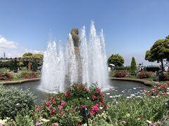 水の守護神像